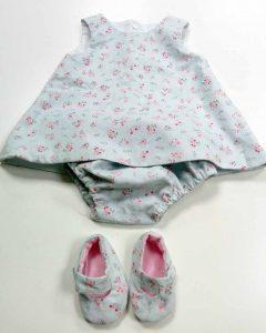 Conjunto de vestir con zapatitos textiles para bebe realizado en curso de ropa para bebes