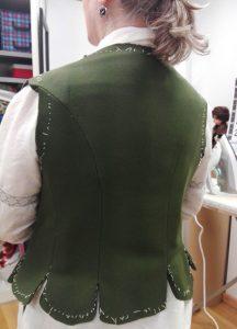 justillo de baturra en prueba curso de indumentaria tradicional aragonesa