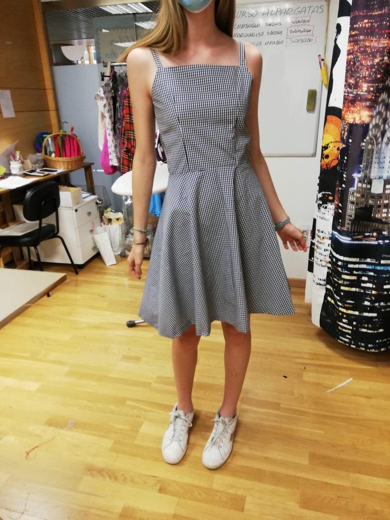 vestidos para jovencitas en alfiler de gancho